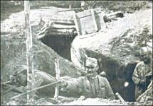 Старији водник Броз с пушком у руци на српском фронту Фото: Архива