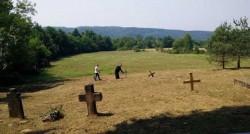 Гробље у Горњем Селишту, Глина Фото: Вечерње новости