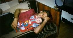 Бојана Тошовић, најмађа жртва НАТО агресије 1999, са оцем Божином, Мердаре 1999 Фото: породична архива Тошовића