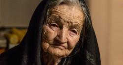 Цвијета Бабић из села у близини Козарске Дубице преживела је седам логора.Tроје њене деце је убијено. Фото: Produkcija Terirem / Спутњик