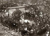 Отварање спомен-чесме Краљу Александру у Лисичијем потоку 1936. Фото: Архива