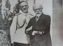 ЊКВ Витешки краљ Александар и француски министар Луј Барту Фото: Архива