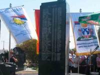 Заједнички споменик страдалим Србима у Тињи, Потпећи и Смолући у Бијељини Фото: РТРС